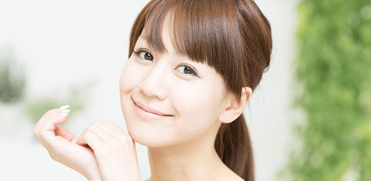 笑顔の女性イメージ